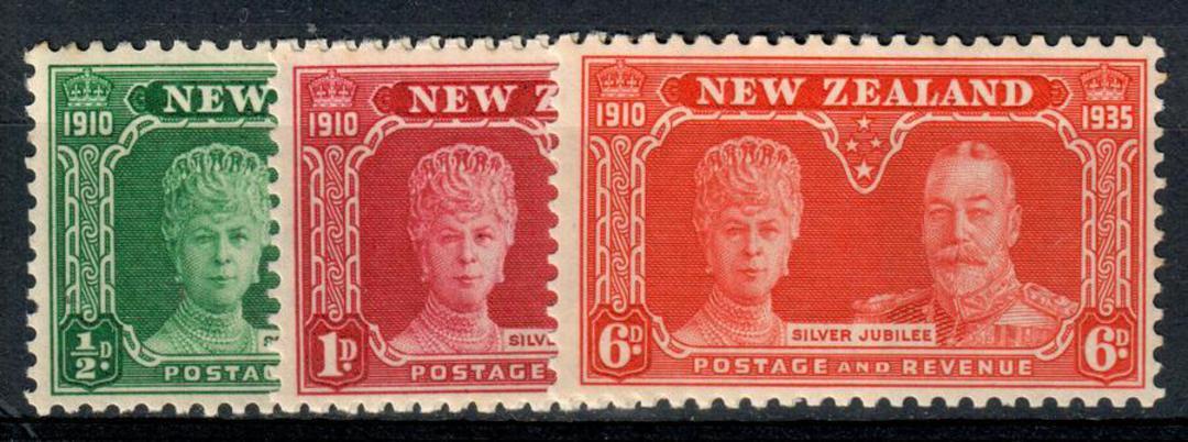 NEW ZEALAND 1935 Silver Jubilee. Set of 3. - 154 - UHM image 0