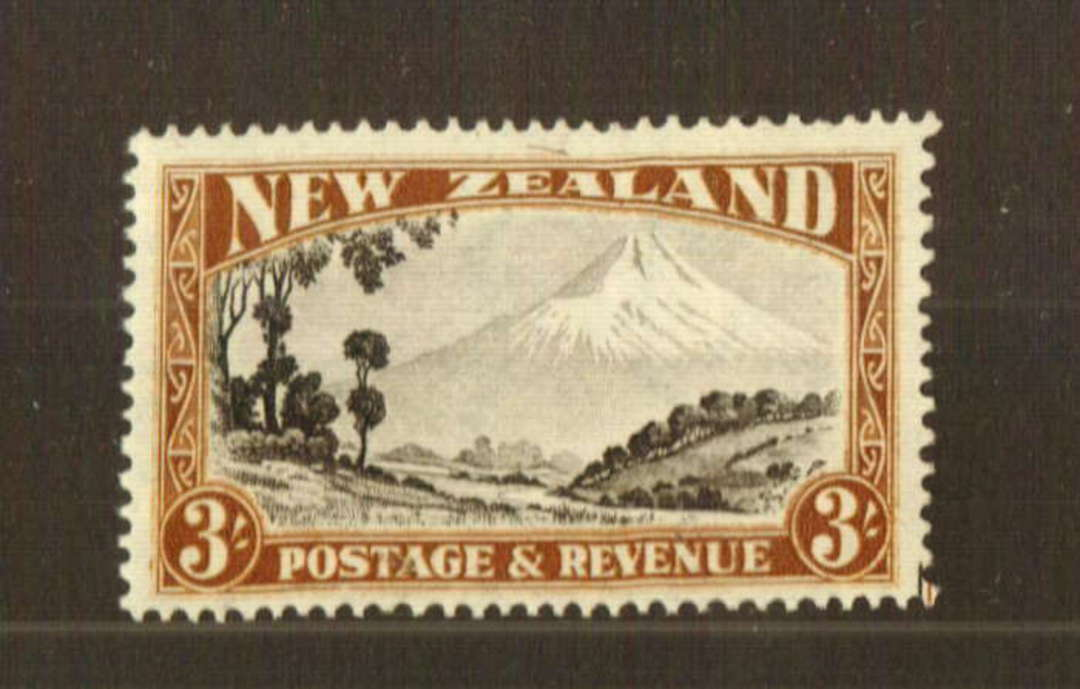 NEW ZEALAND 1935 Pictorial 3/- Mt Egmont. Perf 13.75 x 13.5. - 74771 - LHM image 0