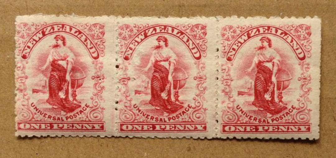 NEW ZEALAND 1900 1d Universal. Dot Plates. Strip of 3. - 70490 - UHM image 0
