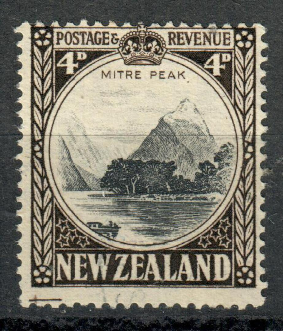 NEW ZEALAND 1935 Pictorial 4d Perf 14 Line. Wartime issue. - 4158 - VFU image 0