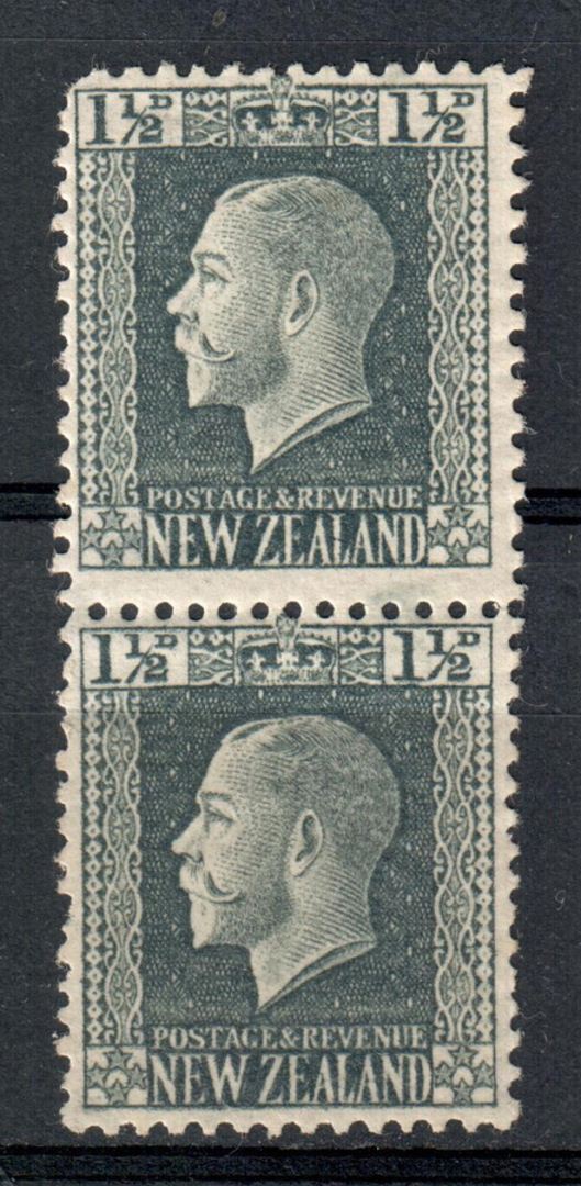 NEW ZEALAND 1915 Geo 5th Definitive 1½d Grey. Two perf pair. One blunt corner. - 79374 - Mint image 0