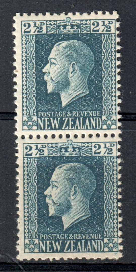 NEW ZEALAND 1915 Geo 5th Definitive 2½d Deep Blue. Two perf pair. - 74119 - UHM image 0