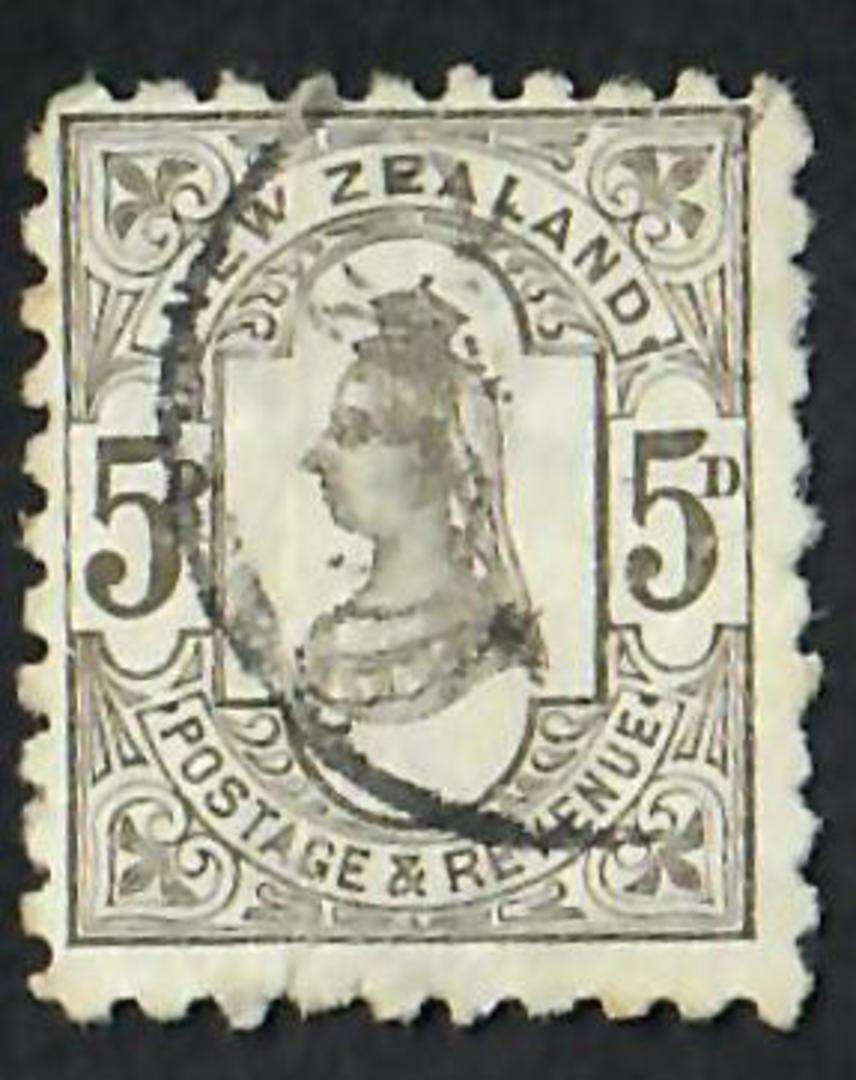 NEW ZEALAND 1882 Victoria 1st Second Sideface 5d Olive-Black. Perf 10. 3rd Setting Mauve. Sunlight Soap. - 3994 - FU image 0