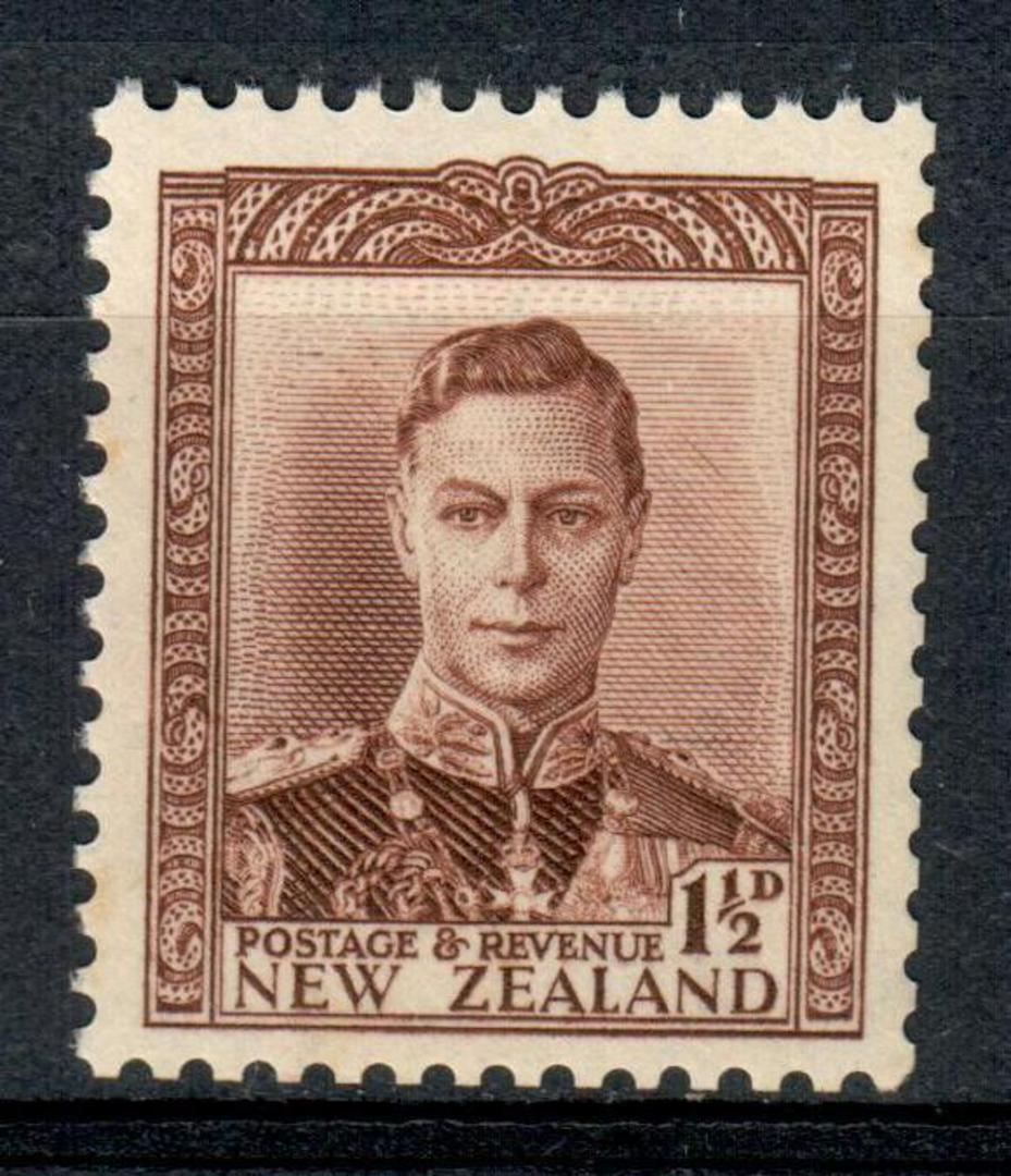 NEW ZEALAND 1938 Geo 6th Definitive 1½d Brown. - 199 - UHM image 0