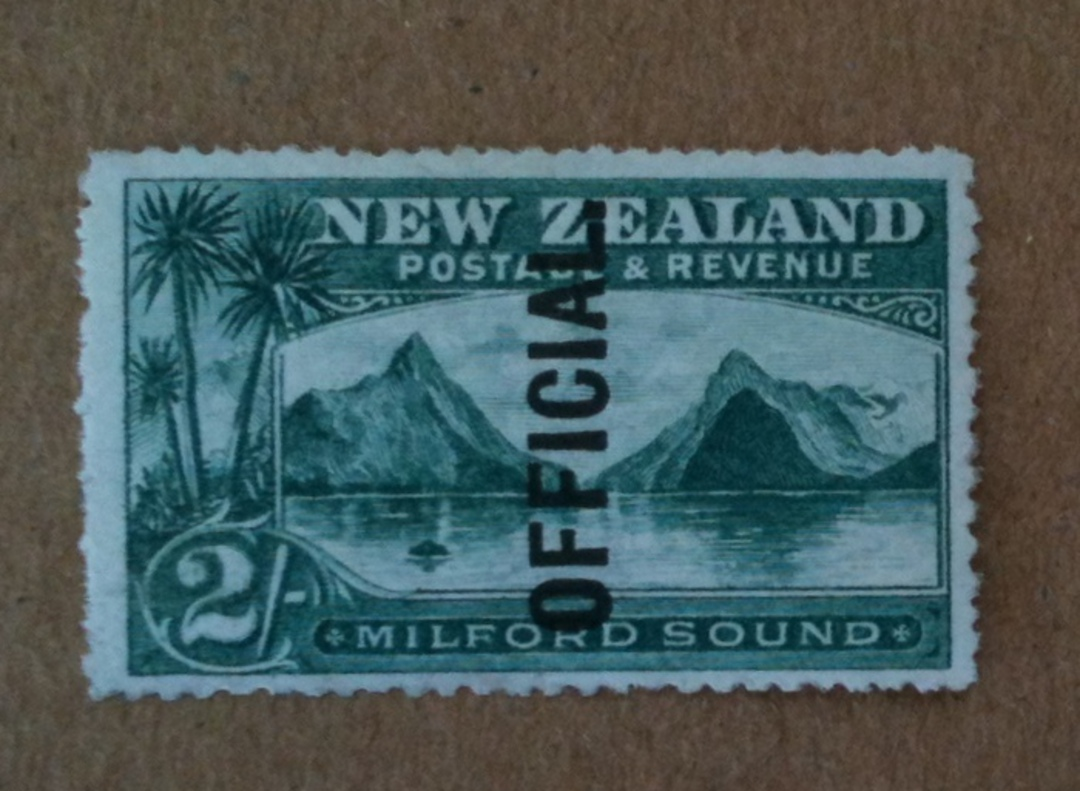 NEW ZEALAND 1898 Pictorial Official 2/- Green. Third Local Print. Perf 14. Watermark. - 74945 - UHM image 0