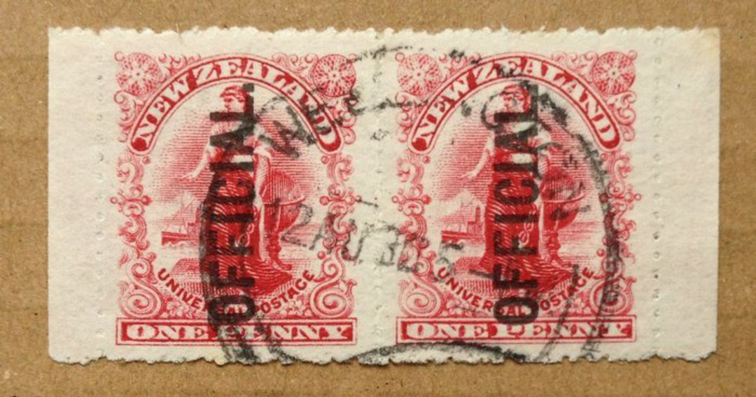 NEW ZEALAND 1900 1d Dominion Official. Pair from booklet. - 79448 - FU image 0