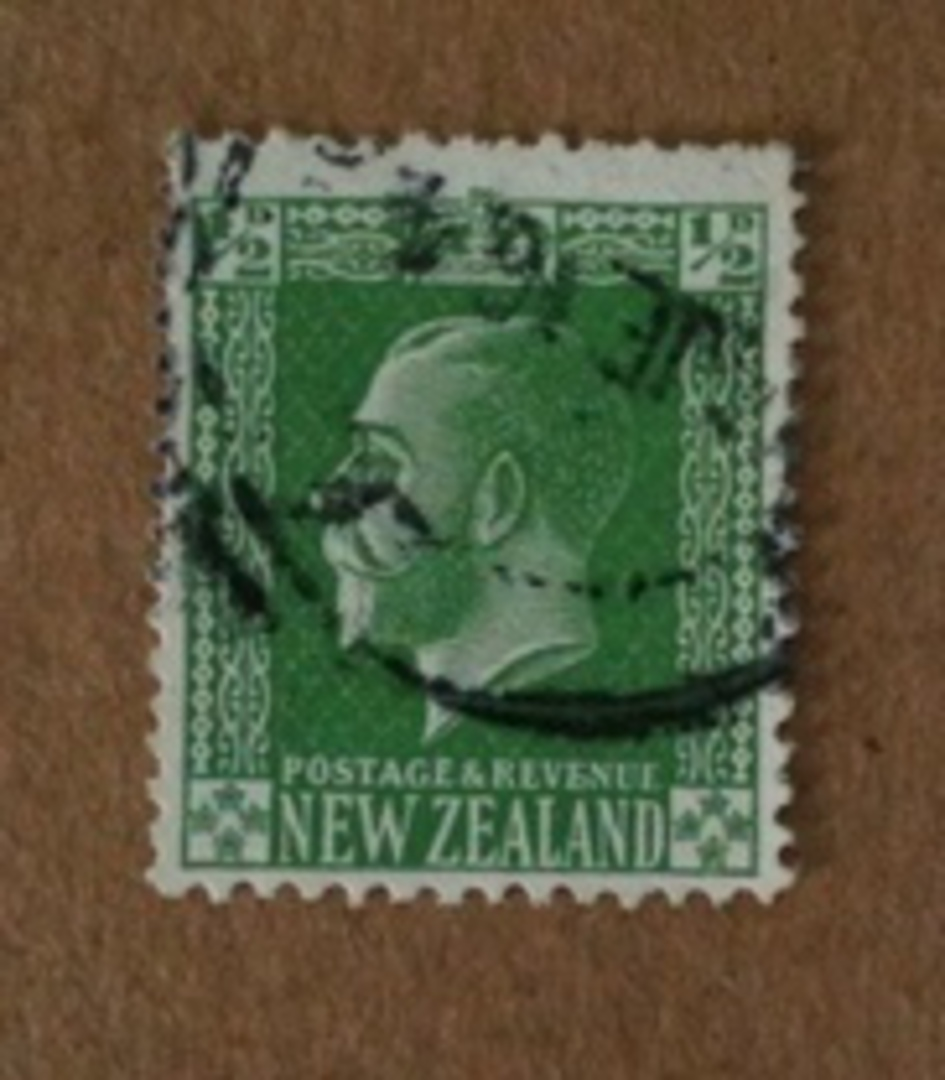 NEW ZEALAND 1915 Geo 5th Surface Print ½d Green on Experimental Paper. Slightly Smudged Postmark dated 6/16. - 74632 - Used image 0