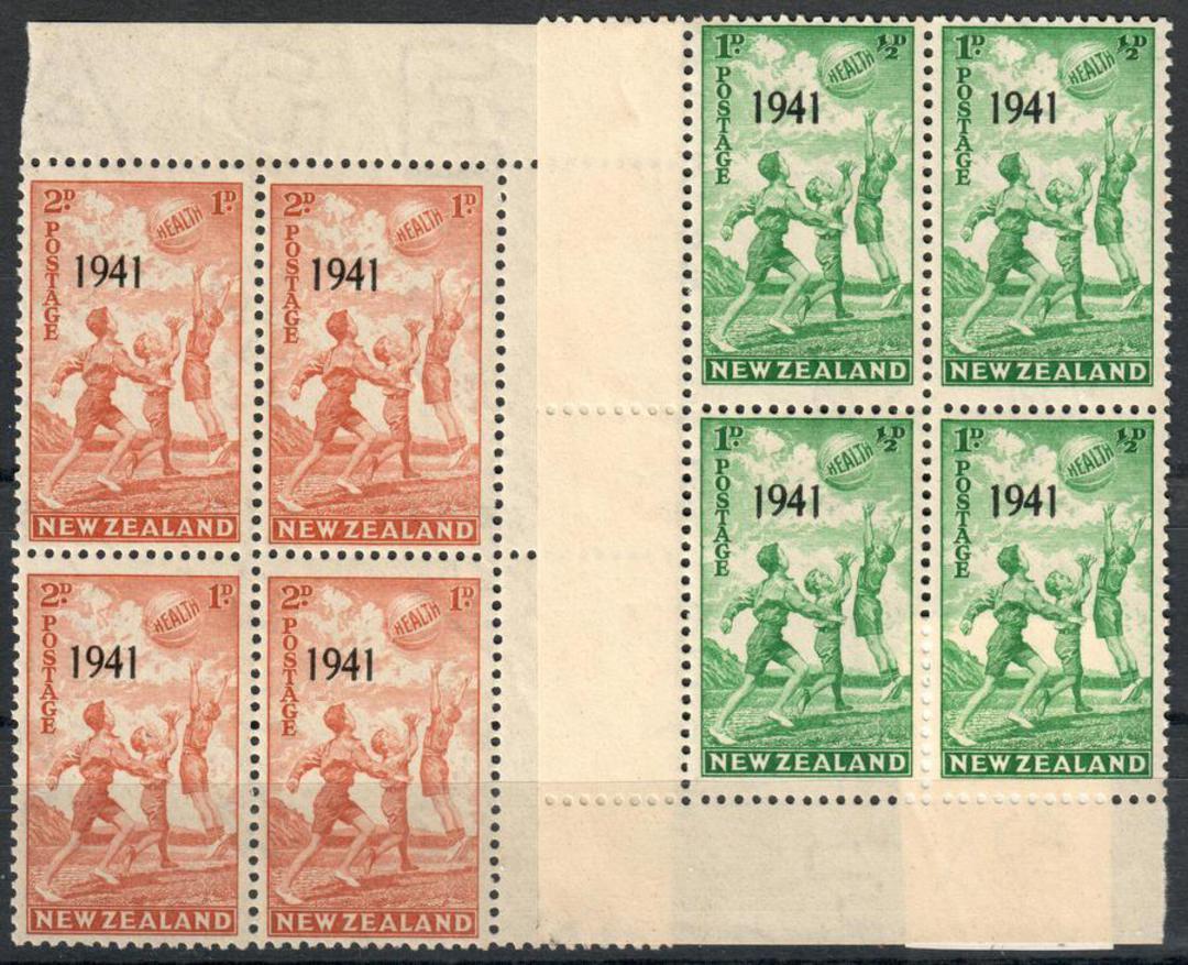 NEW ZEALAND 1941 Set of 2 in corner blocks of 4. - 21883 - UHM image 0