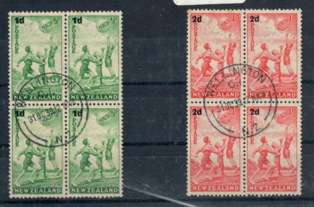 NEW ZEALAND 1939 Health. Set of 2 in blocks of 4. - 20348 - VFU image 0