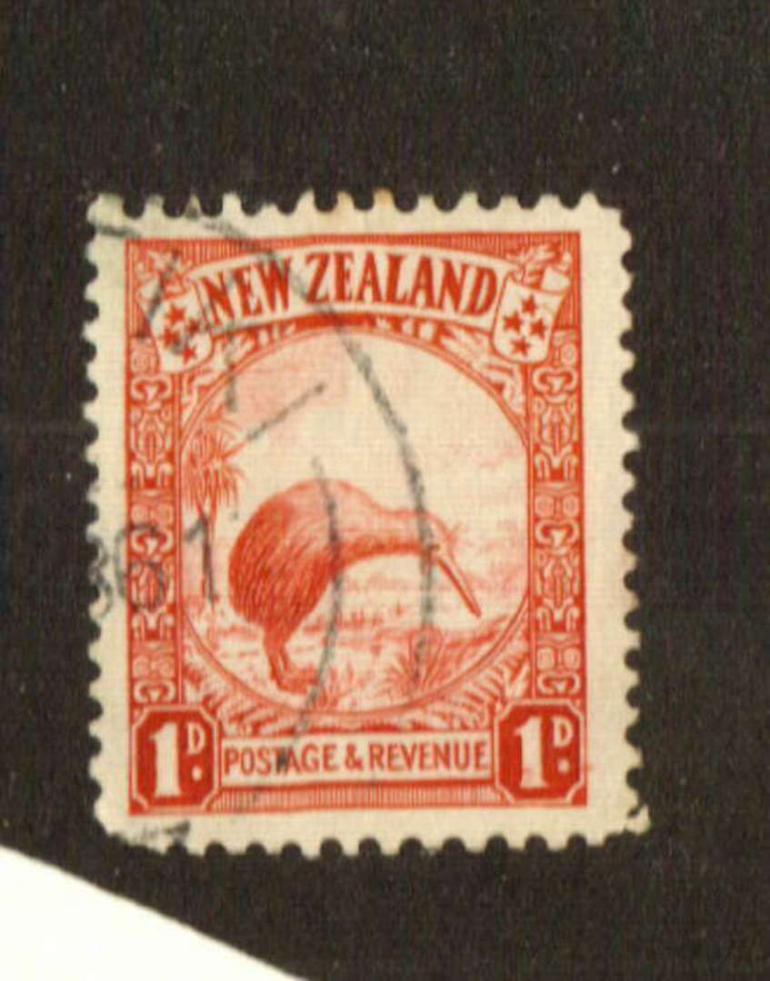 NEW ZEALAND 1935 Pictorial 1d Red. Perf 13.5 x 14. Blunt corner. - 74682 - Used image 0