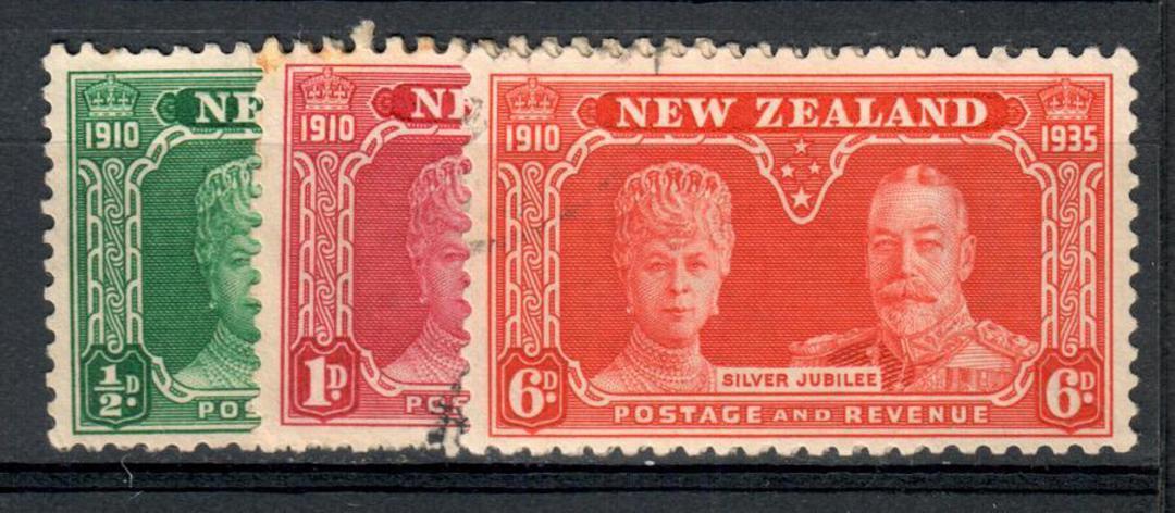 NEW ZEALAND 1935 Silver Jubilee. Set of 3. - 10154 - VFU image 0