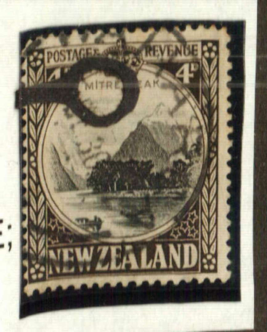 NEW ZEALAND 1935 Pictorial 4d Mitre Peak. Fine VM paper. Watermark 7. Perf 14 comb. Row 7/8 flaw. Elongated I of MITRE. - 71279 image 0