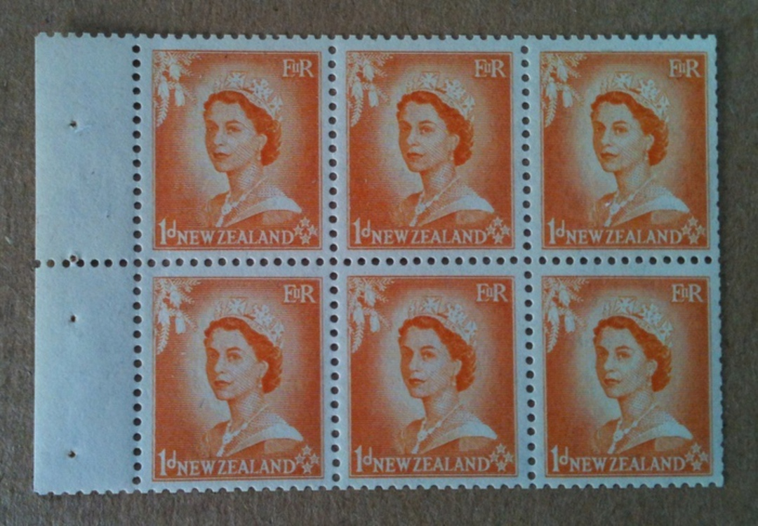 NEW ZEALAND 1954 Elizabeth 2nd 1d Orange Booklet Pane with Inverted Watermark - 74621 - UHM image 0