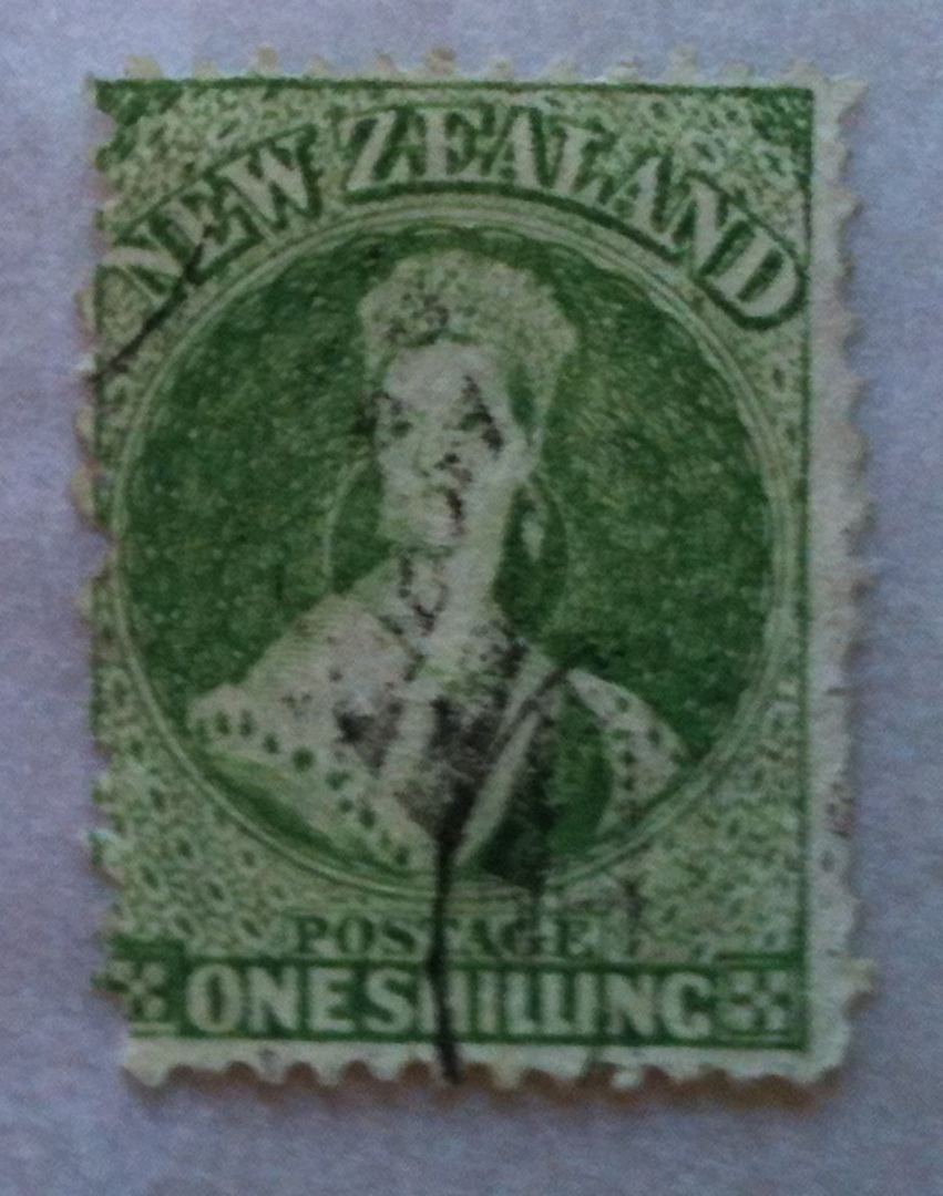 NEW ZEALAND 1862 Full Face Queen 1/- Yellow-Green. Perf 12½ at Auckland. Vey nice copy. - 39290 - FU image 0