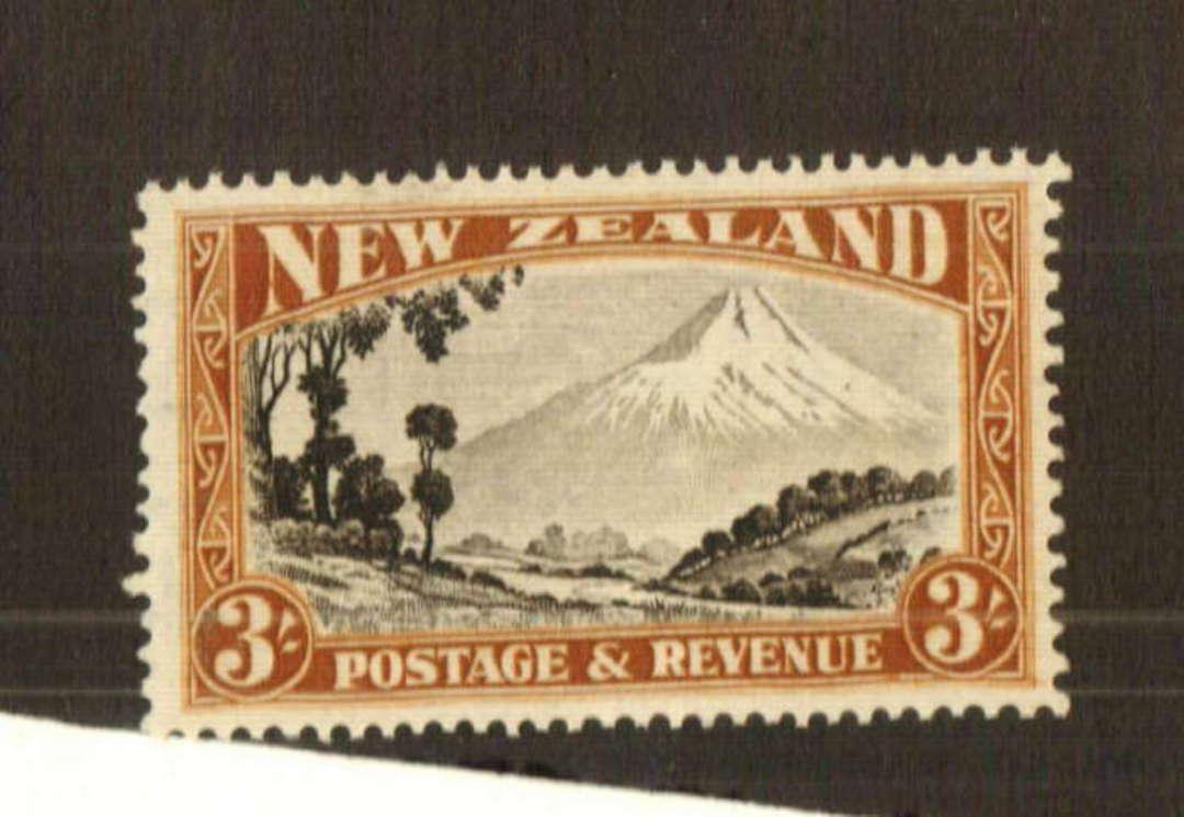 NEW ZEALAND 1935 Pictorial 3/- Mt Egmont. Perf 14.25 x 13.5. - 74754 - UHM image 0