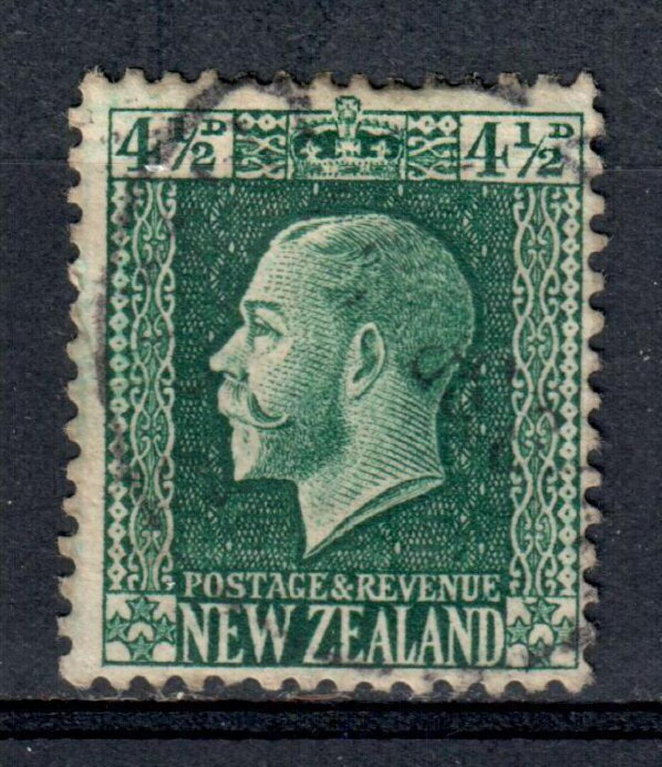 NEW ZEALAND 1915 Geo 5th Definitive 4½d Deep Green. Perf 14x13½. - 39208 - Used image 0