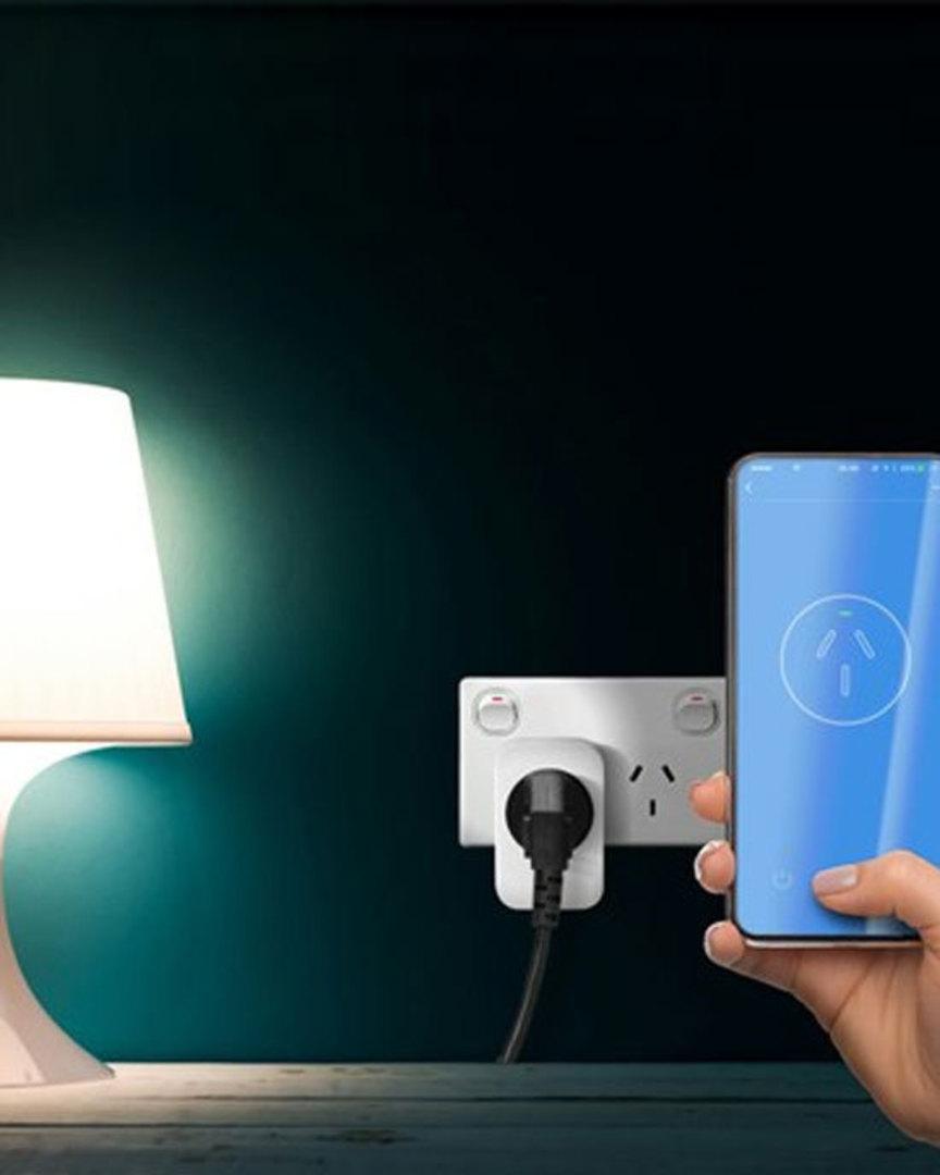 Smart Plug WiFi Controlled Mains Switch Power Adaptor image 1
