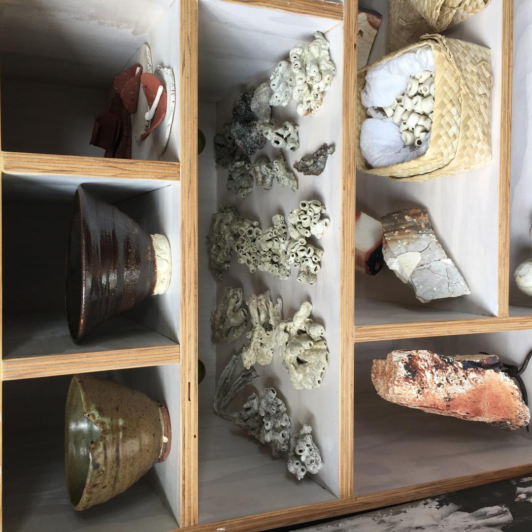 Porcelain Fishtank Decor image 3
