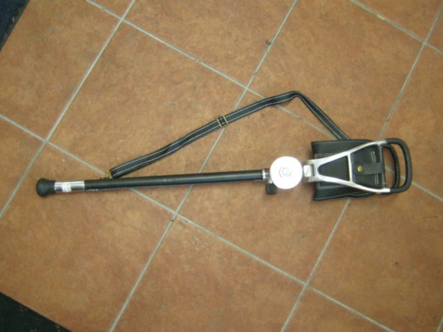 Shooting Stick-Walking Seat image 0
