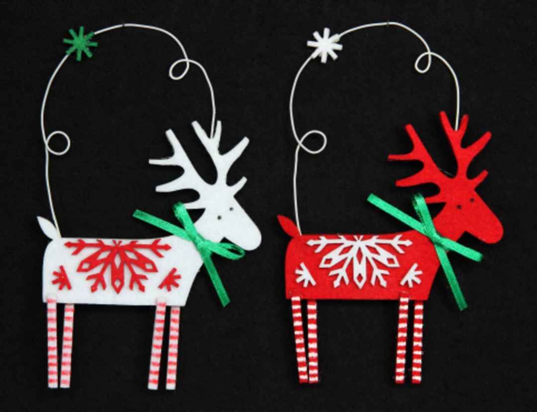 Felt Scandi Snowflake Reindeer with Loop image 0