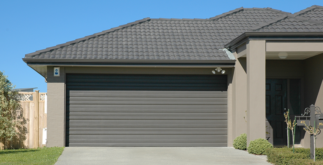Estate Sectional Doors image 0