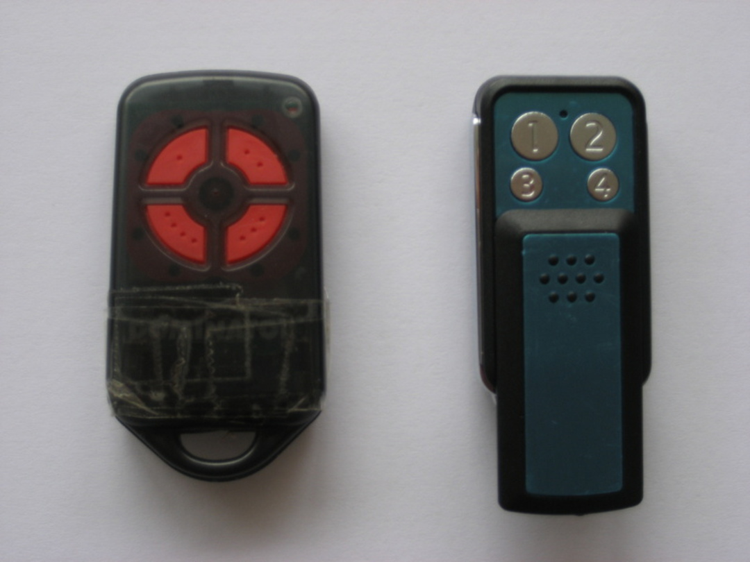 Cobra/RDSD Garage Door Remote image 0
