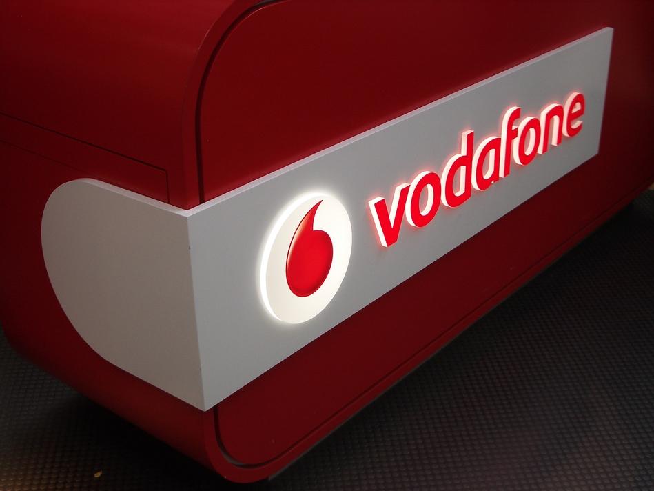 Instore illuminated Signage - Vodafone #2