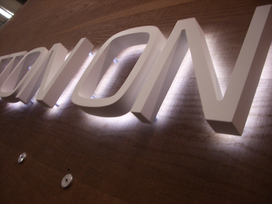 Illuminated Sign - Cottonon #2
