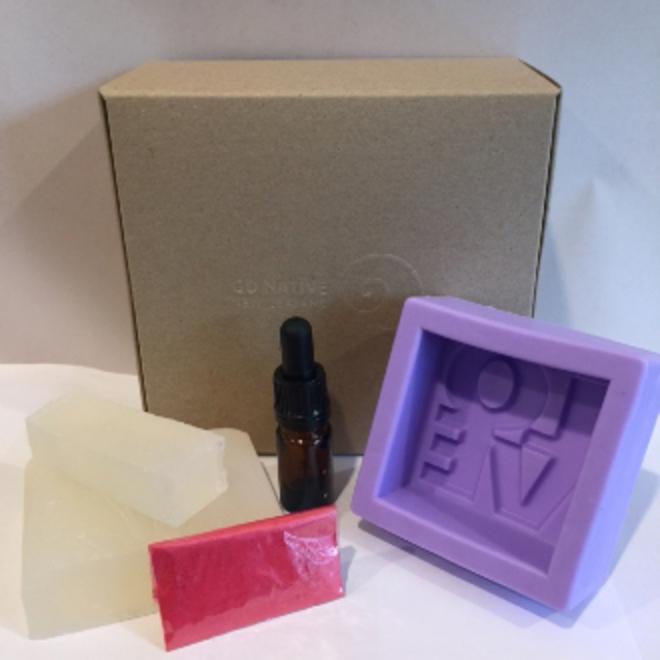 LOVE mini soapmaking kit image 0
