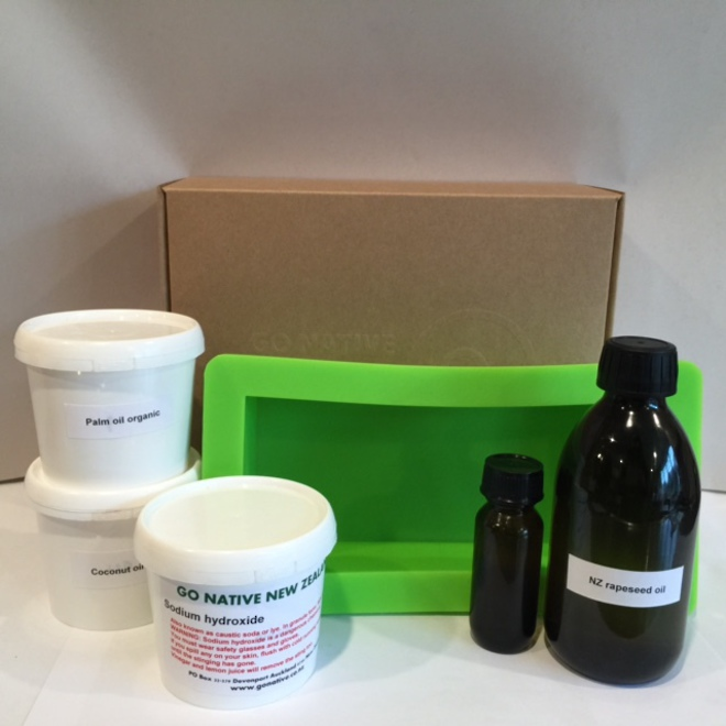 Basic cold-process soapmaking kit image 0