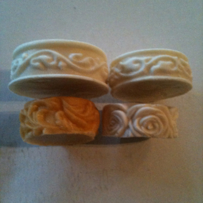 Round moulds with flower edges image 0