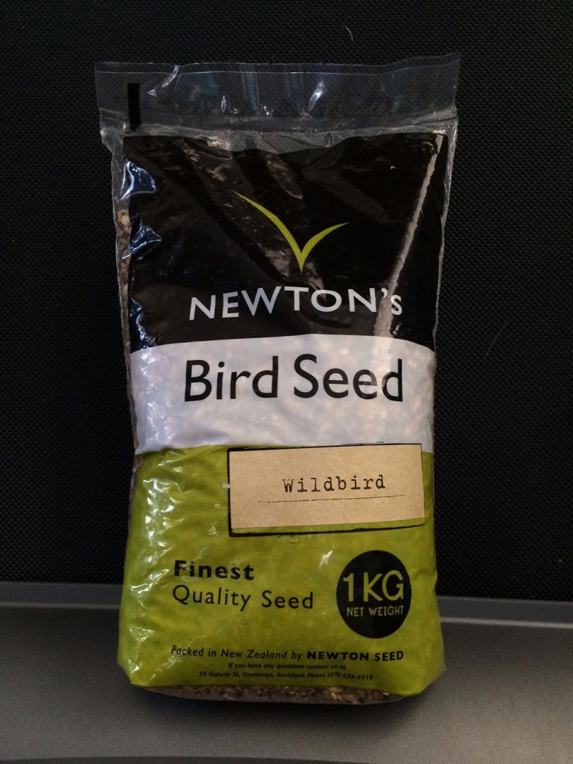 Newton Seed Wild Bird Mix No Preservatives 1kg image 0