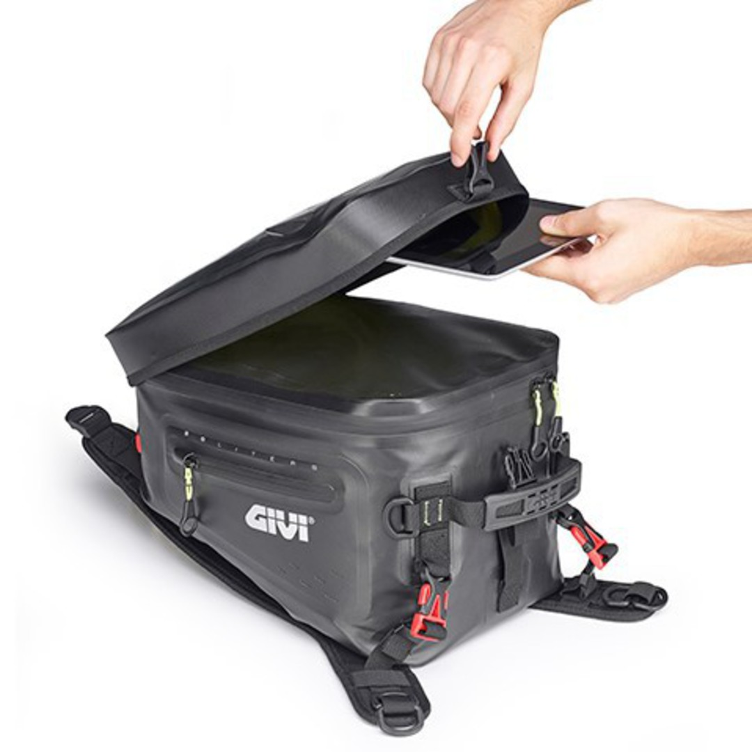 GIVI Tank Bag 20L waterproof image 0