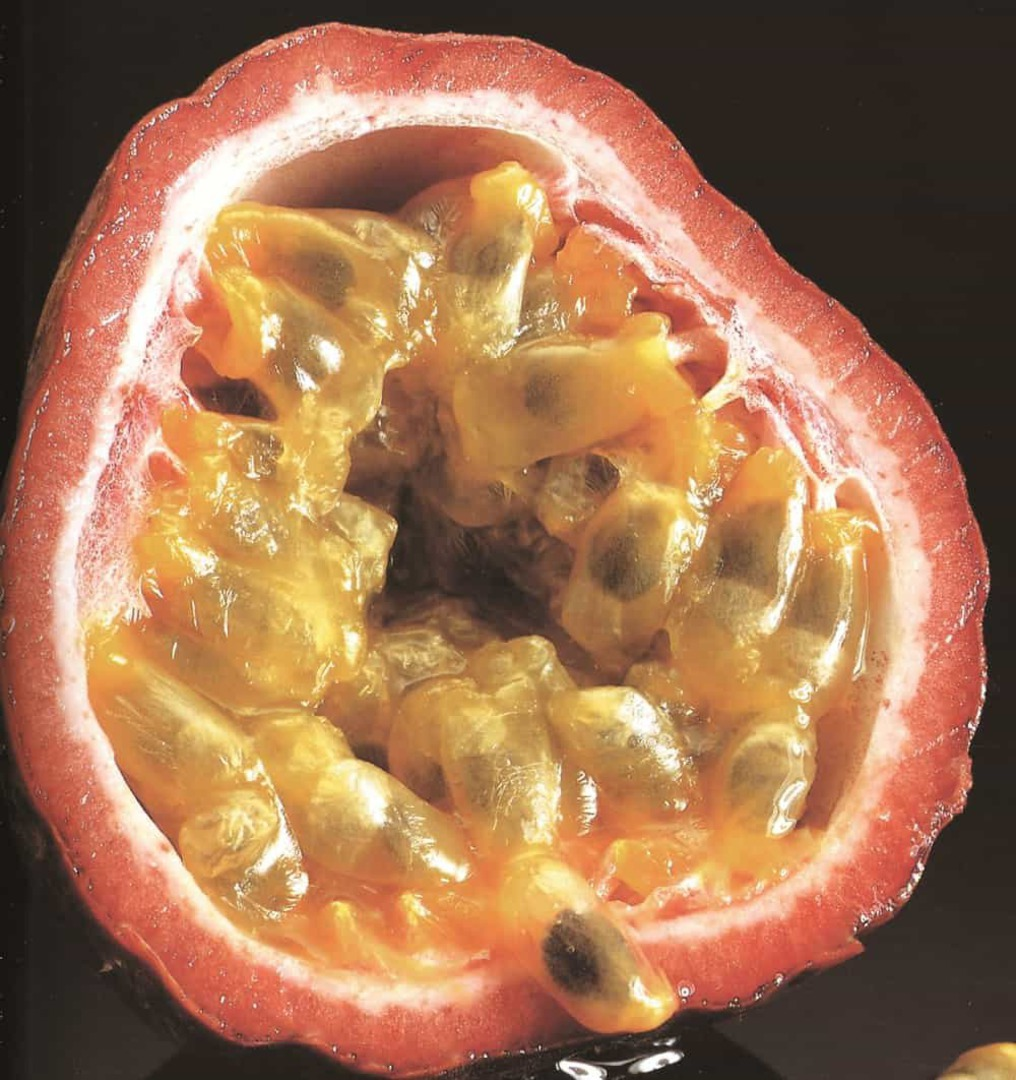 Passionfruit Large Black - Delicious purple skinned fruits