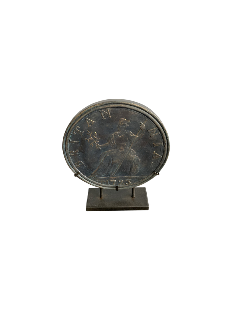 ANTIQUE OLD COIN ON STAND image 3