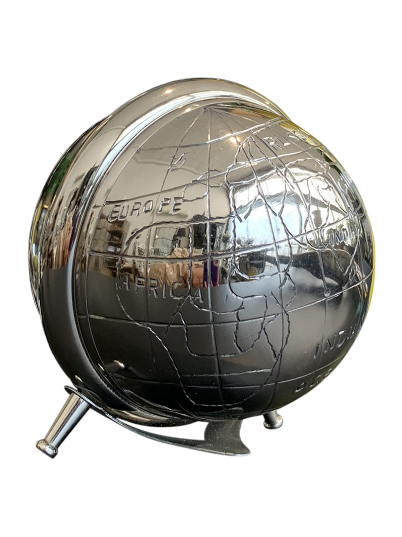 WORLD GLOBE CLOCK image 1
