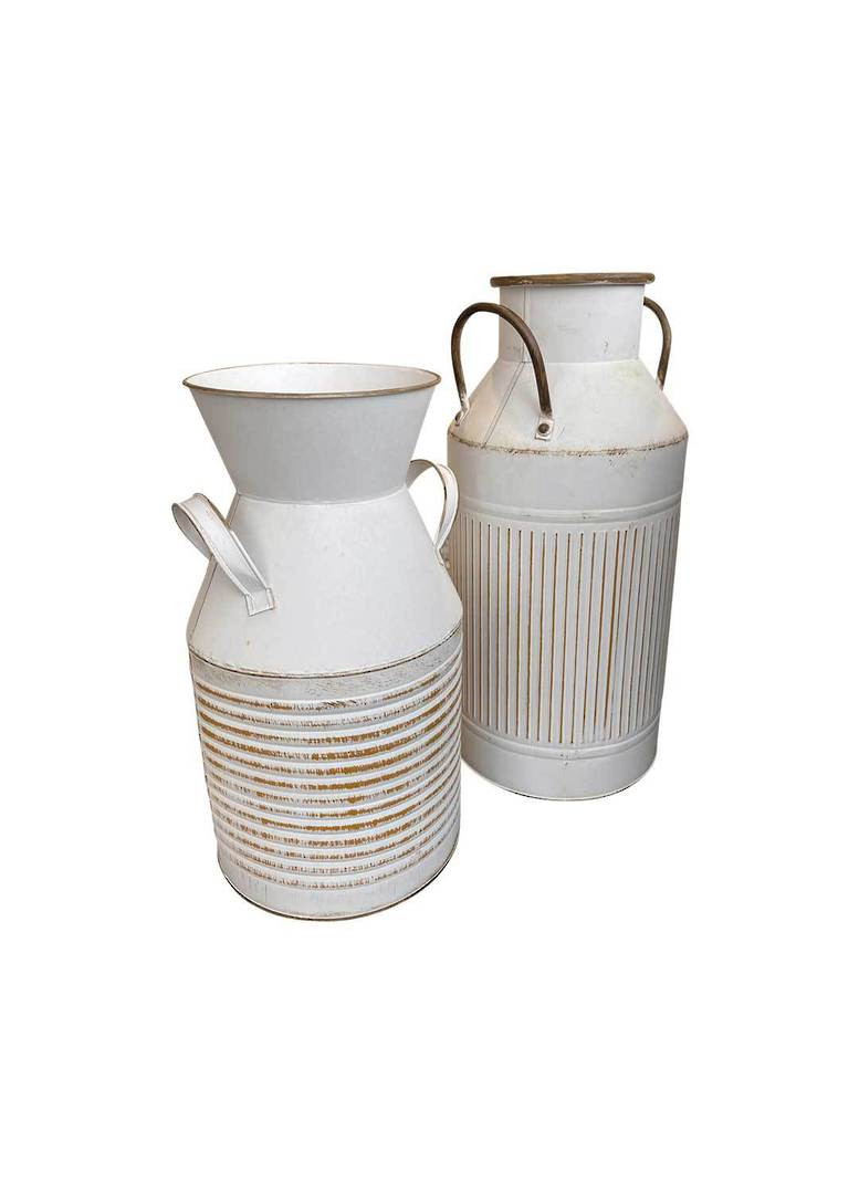 GARDEN URN WITH 2 HANDLES LGE image 4