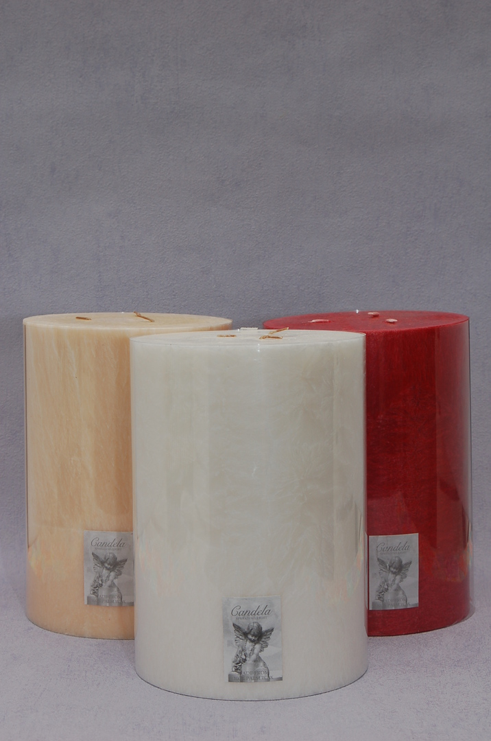 Giant white/Ponegranate Fragrance Three Wick Candle image 0