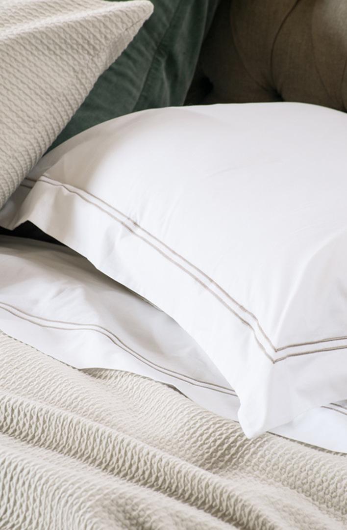 Bianca Lorenne - Livorno White-Taupe Sheets/Pillowcases image 1