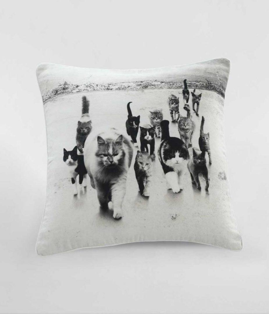 MM Linen - Catmob Cushion image 0