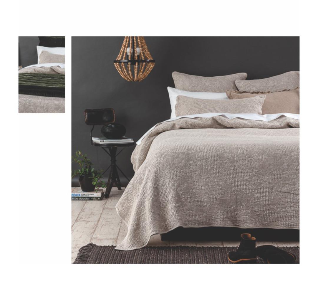 Seneca - Echo Bedspread Set - ON SALE image 0