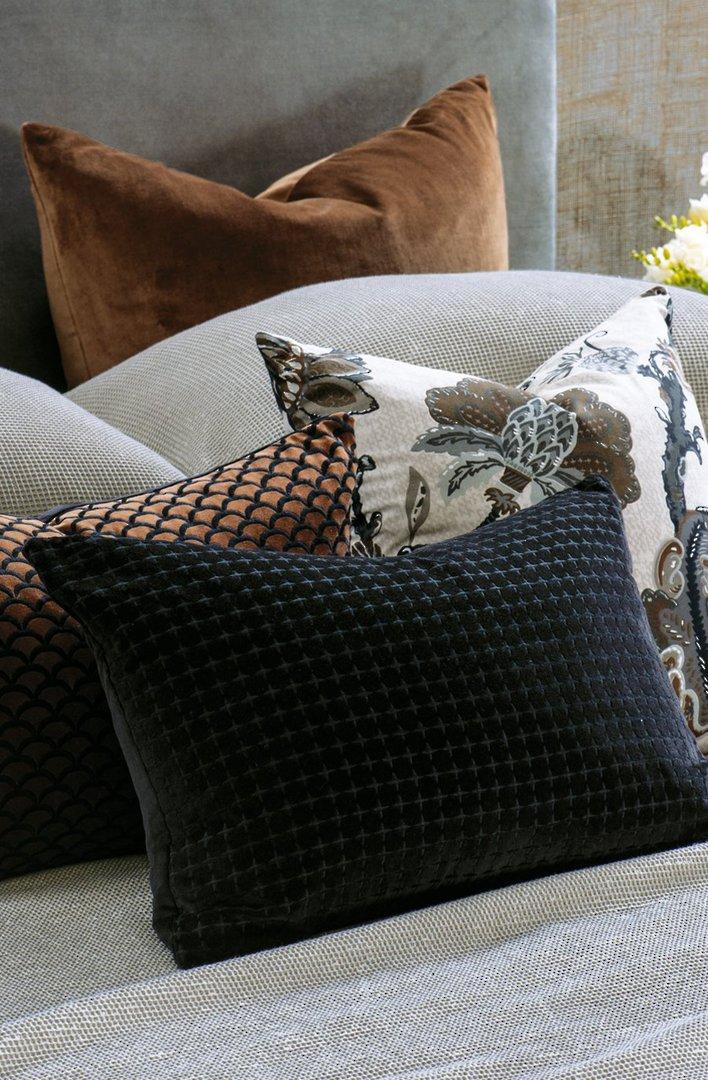 Bianca Lorenne - Petalo Comforter/ Eurocase /Cushion - Black image 1