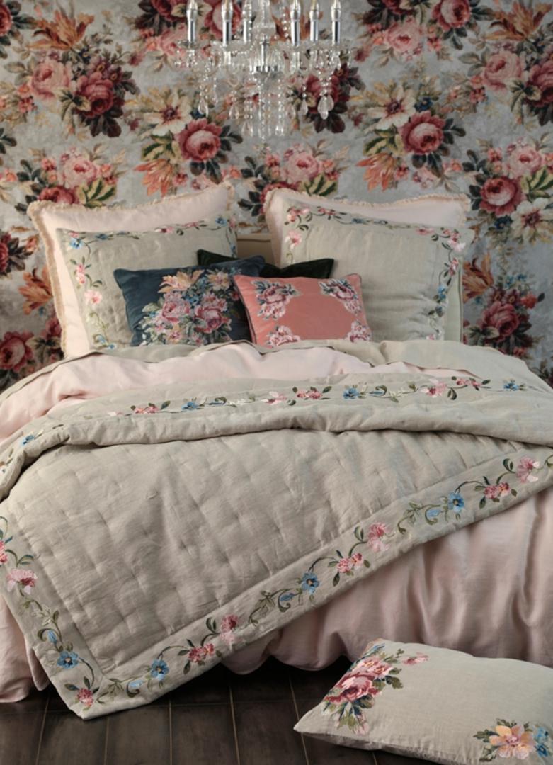 MM Linen - Adele Comforter image 0