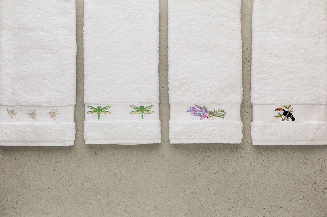 Baksana - Embroidered Towel Gift Set image 0