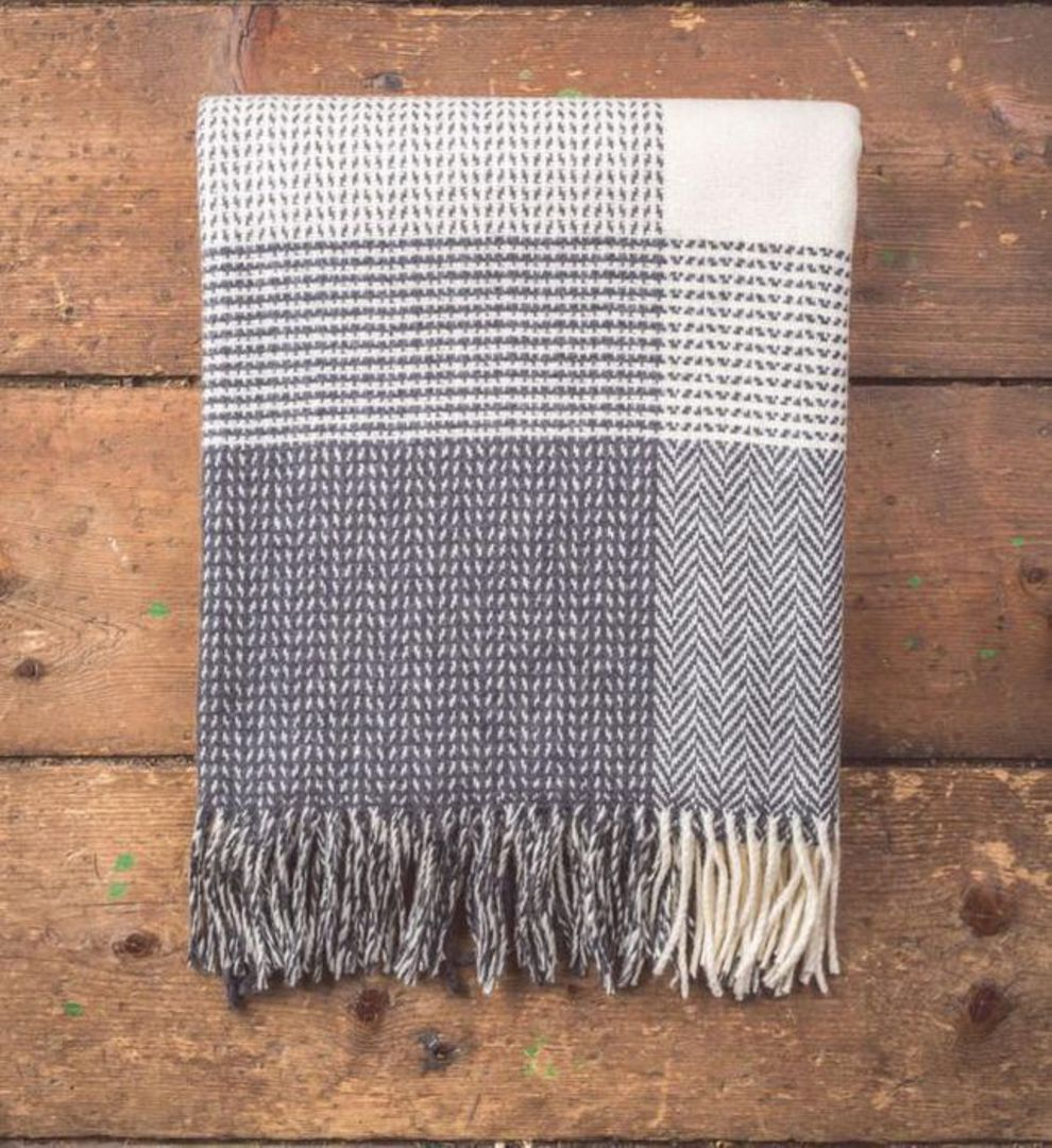 Importico - Foxford - Cashmere Dobby Check - Throw image 0