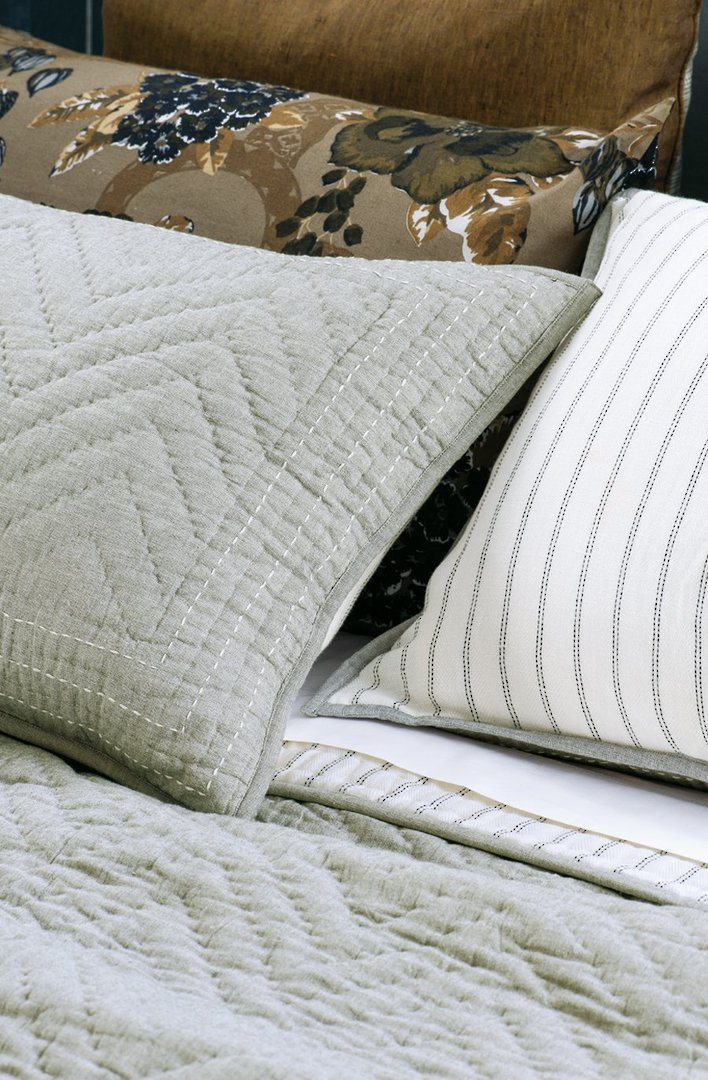 Bianca Lorenne - Ganuchi - Bedspread - Pillowcase and Eurocase Sold Separately  - Grey image 1