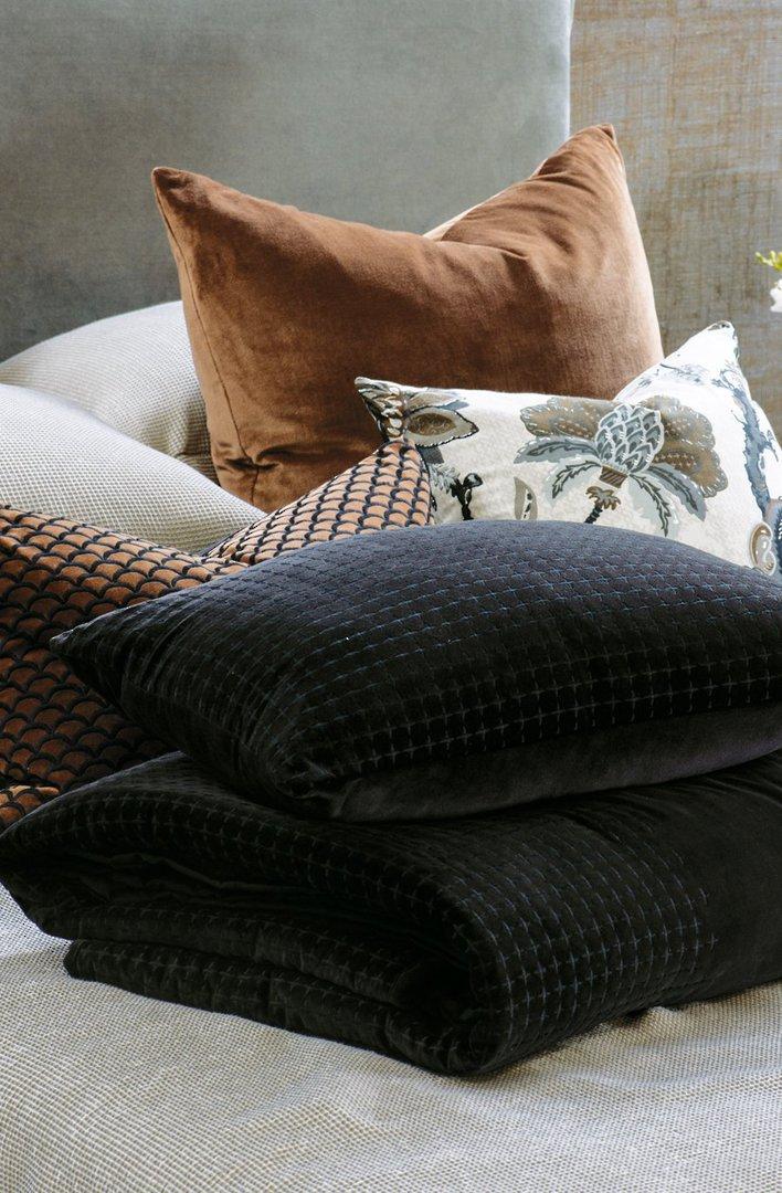 Bianca Lorenne - Petalo Comforter/ Eurocase /Cushion - Black image 3
