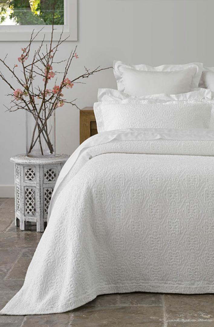 Baksana - Serenity White Bedspread Set - King - ON SALE image 0