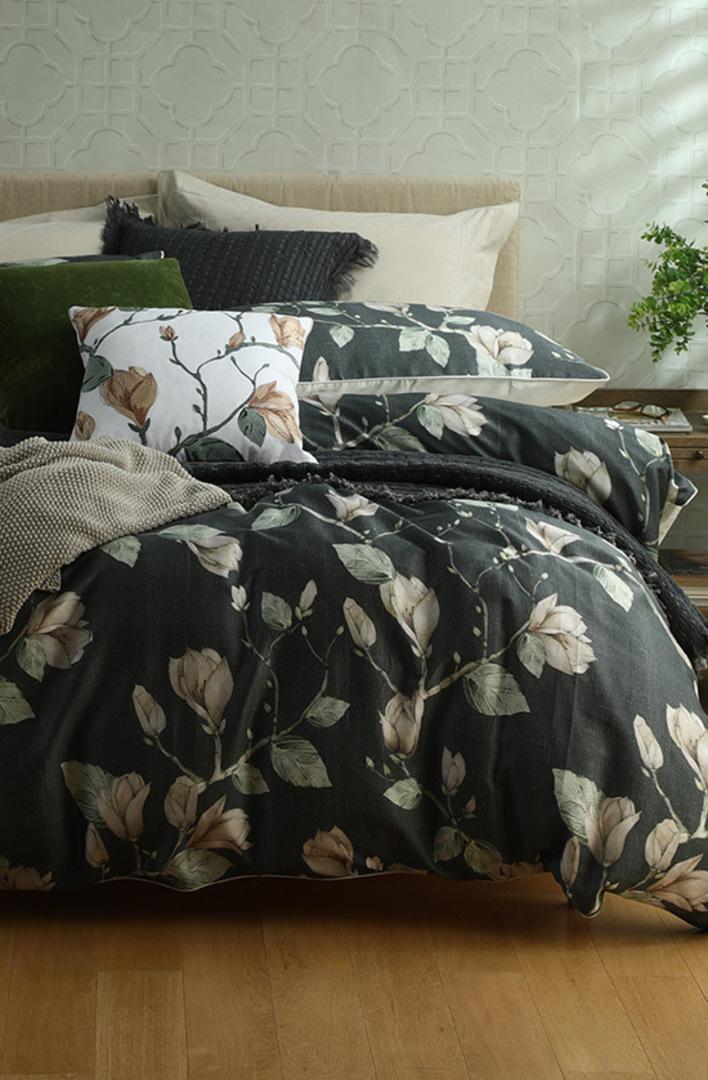 MM Linen - Magnolia Duvet Cover Set - Queen image 1