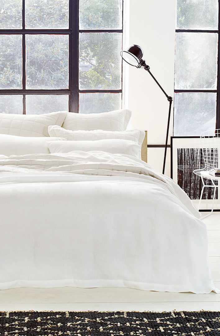Sheridan - Abbotson White Tailored Linen Duvet Cover / Pillowcases image 0